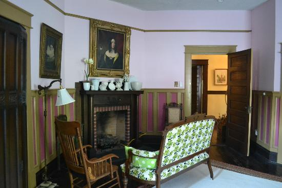 Bernibrooks Inn : The Royal Room