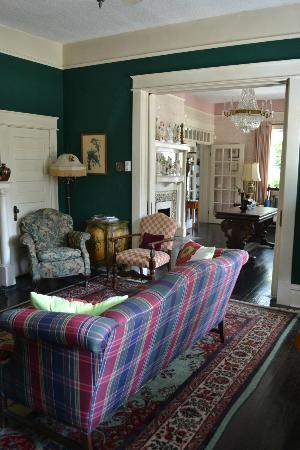 Bernibrooks Inn: Sitting Areas
