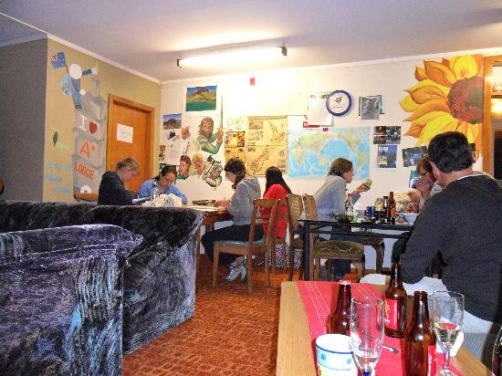 A Plus Backpackers Lodge: colourful and friendly, just pop in 41 iwiheke place