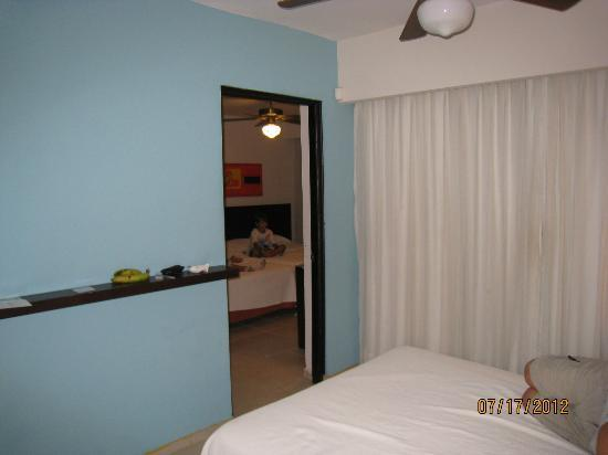 Tropical Princess Beach Resort & Spa: 2 room suite