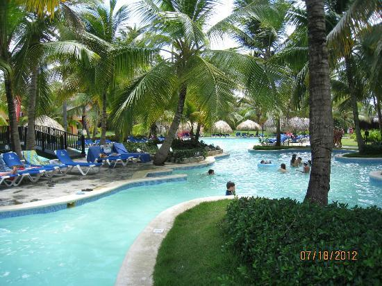 Tropical Princess Beach Resort & Spa: Best pool with lots of shade, excellent for families.