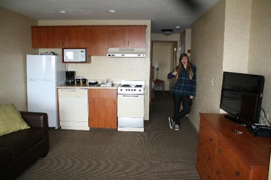 The Wayside Inn Kitchenette Dated But Works Well