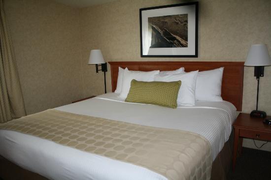 The Wayside Inn: Comfy Bed