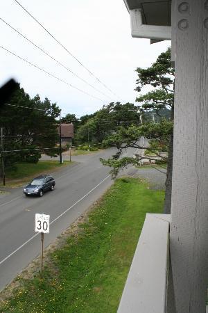 The Wayside Inn: A bit of road noise