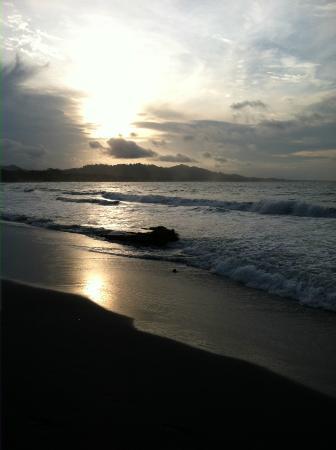 Hidden Jungle Beach House: Playa Negra