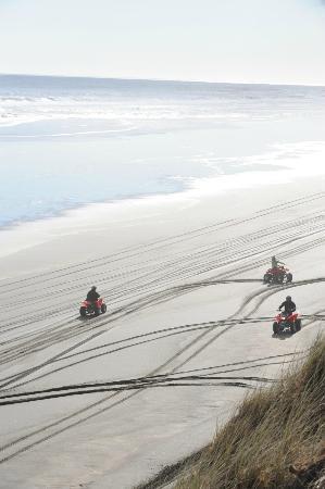 4 Track Adventures: MURIWAIS WEST COAST BEACH!!!! STUNNING