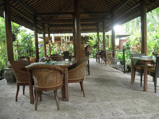 Taman Rahasia Tropical Sanctuary & Spa: Outdoor dining room