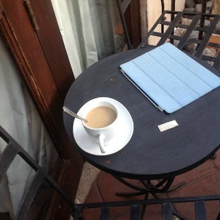 El Convento Boutique Hotel: coffee on balcony