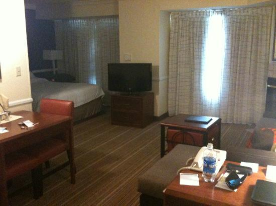 Residence Inn State College: Living area (2)