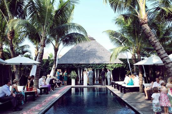 Villa Samuan : Wedding Ceremony by the pool