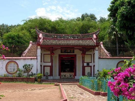 Bukit China (Chinese Hill) : 寶山亭(ポーサンテン)仏寺院