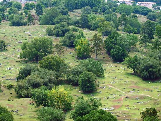 Bukit China (Chinese Hill) : 中国国外で最大の中国人墓地