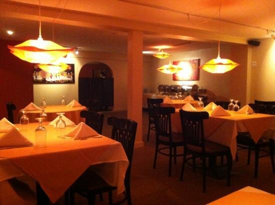 Cinnamon Indian Cuisine: authentic ambiance!