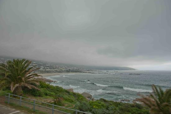 Camp's Bay Beach: Camps Bay Beach in Cape Town