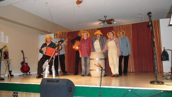 Twillingate, Canada : A sample musical skit