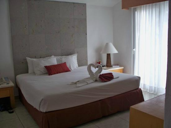 Marival Resort & Suites: Master BR