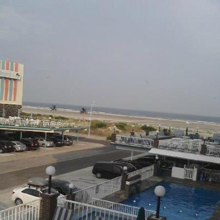 Ocean Holiday Motor Inn: View from our balcony