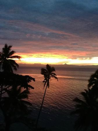 Fiji Beach Shacks: Romantic sunsets every night! Great time to have a glass of wine & talk on the oversized Lounge