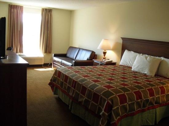 Days Inn Greensboro NC: Suite