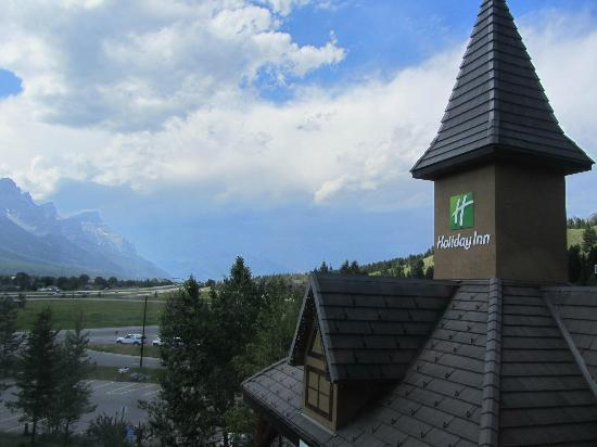 Holiday Inn Canmore: View From Room