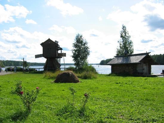 Verkhniye Mandrogi, Russland: Вид на реку