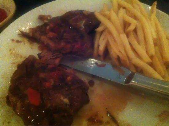 Currents Restaurant: Steak w/blue cheese/pepper relish & Fries (sub for truffle fries)