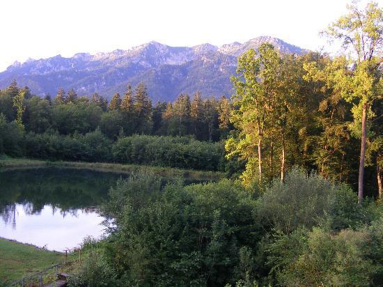 Hotel Gablerhof: вид на озеро и горы с номера