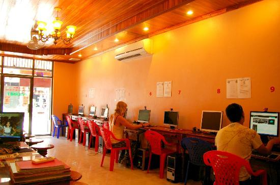 Salakphet Guesthouse : Internet Center