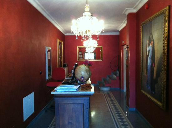 Hotel Le Lanterne : reception