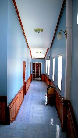 Salakphet Guesthouse: Hallway