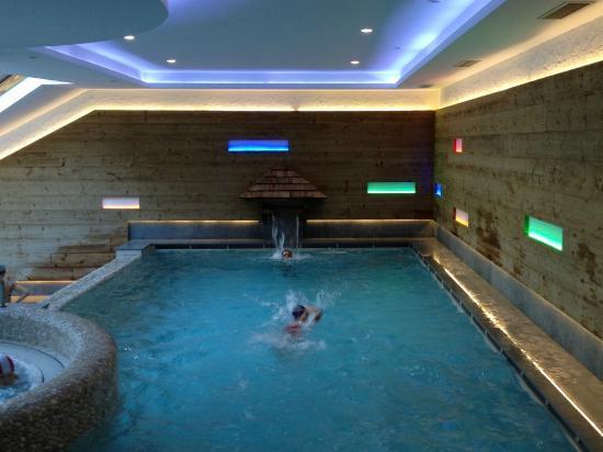 La piscina del centro benessere foto di hotel orsingher san martino di castrozza tripadvisor - Hotel san martino di castrozza con piscina ...