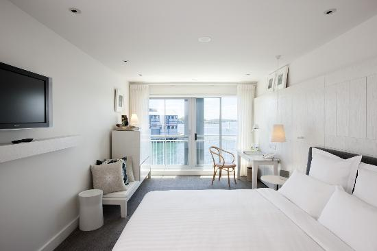 Pier One Sydney Harbour, Autograph Collection: Waterside King Room