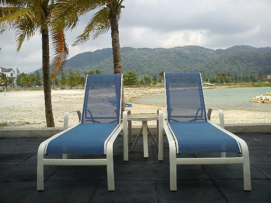 Marina Island Pangkor Resort & Hotel: Pool Side