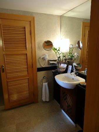 Mövenpick Resort & Residence Aqaba: Bad