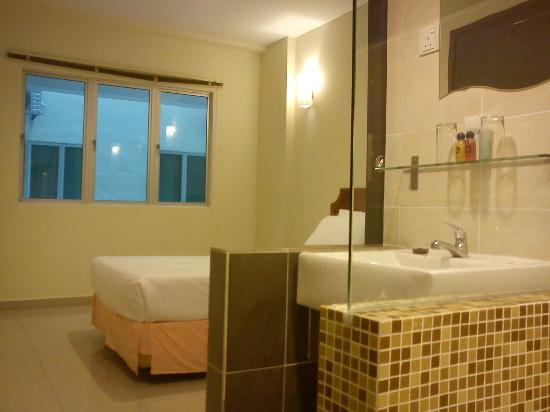 Marina Island Pangkor Resort & Hotel: Ensuite Bathroom