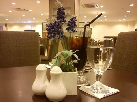 Marina Island Pangkor Resort & Hotel: Dinning