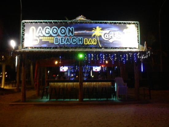Marina Island Pangkor Resort & Hotel: Lagoon Beach Club