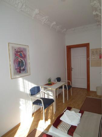 Space Hotel & Hostel Leipzig: Room 307 mit Bad