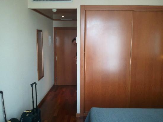 NH Cornella : room