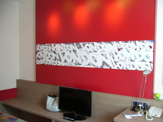 Red Stars Hotel: Ablagefläche
