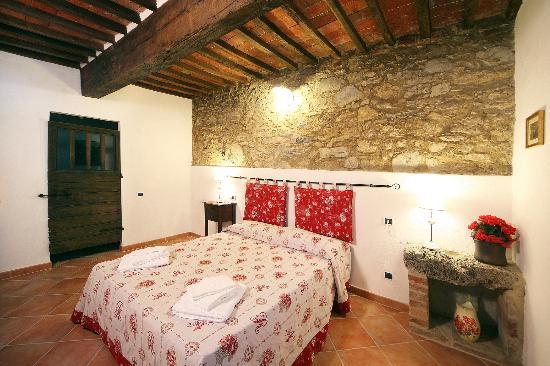 Podere I Monti Agriturismo: camera appartamento Val di Merse