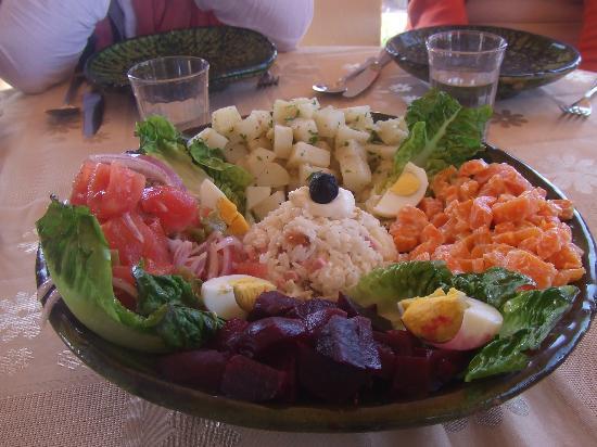Riad Pegase: salade variée .........chez talout