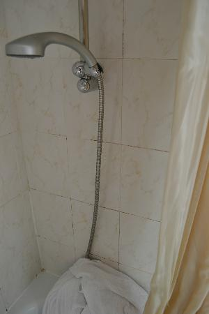 Unic Hotel: bathroom tiles 