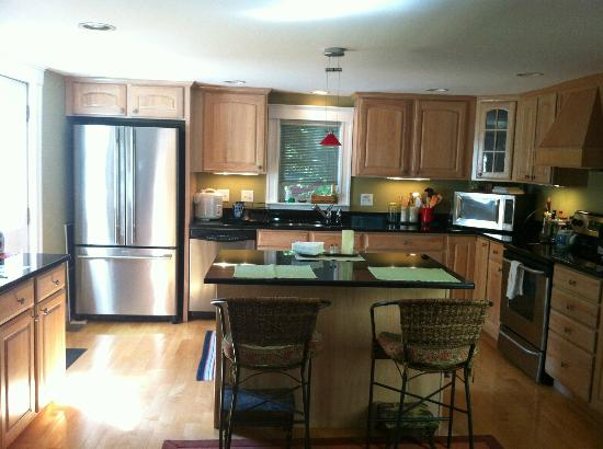 Cambridge Vacation Rental Rooms: Kitchen