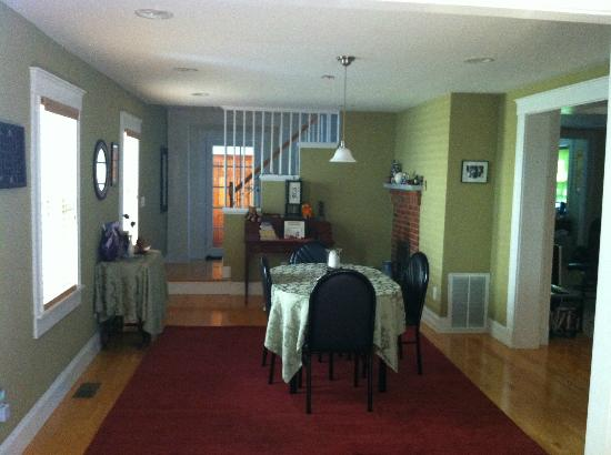 Cambridge Vacation Rental Rooms: shared dining and staircase to bedrooms