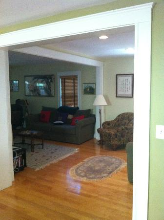 Cambridge Vacation Rental Rooms: Livingroom