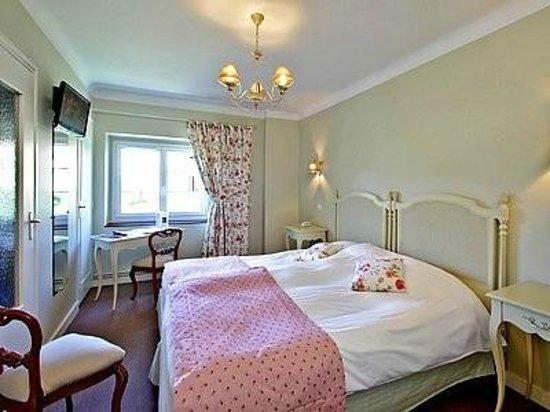 Hotel Laborderie: Chambre au 1er étage de l'Hôtel