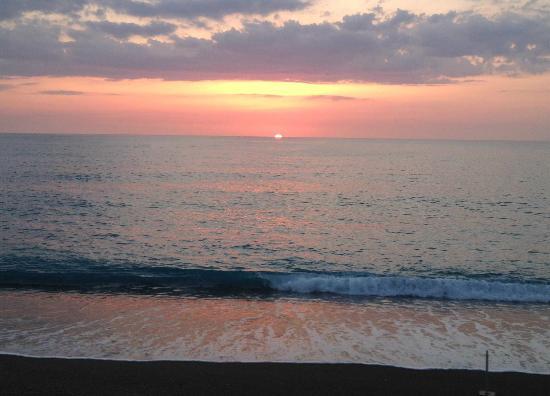 B&B Stella Marina: Tramonto rosso