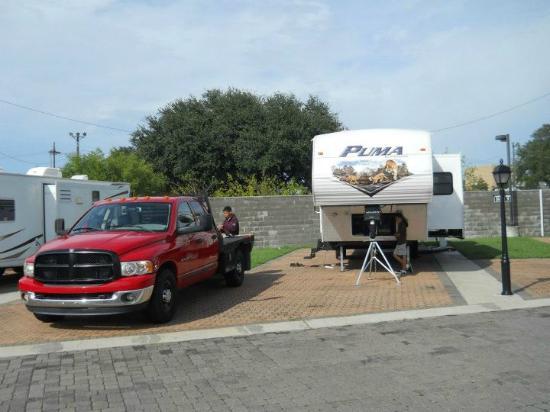 French Quarter RV Resort: Plenty of room for RV and parking