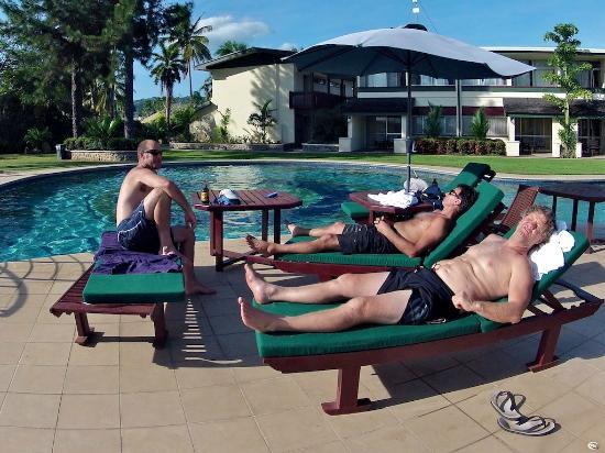 Fiji Gateway Hotel: pool time
